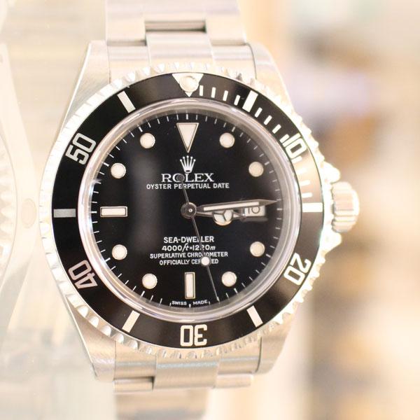 ロレックスの時計、シードゥエラーの116660 魅力と豆知識、買取方法